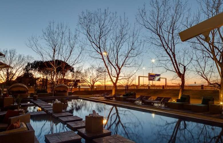 Protea Hotel OR Tambo Airport - Pool - 4