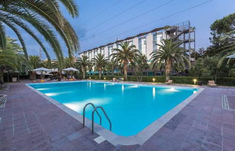 Grand Hotel Duca d'Este - Pool - 10