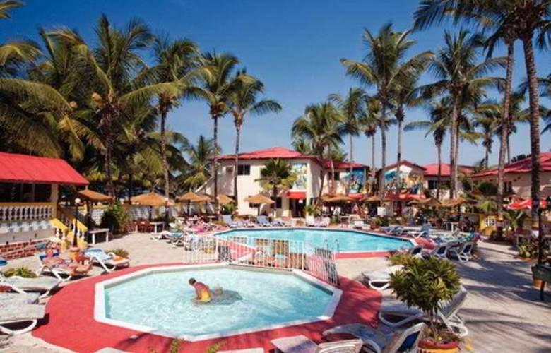 Palm Beach Hotel - Pool - 10