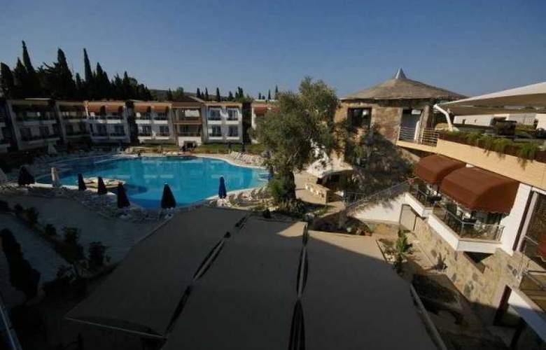 Risa Hotel - Hotel - 7