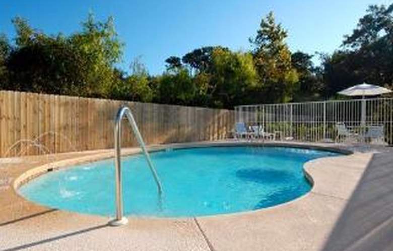 Comfort Suites At Eglin Air Force Base - Pool - 6