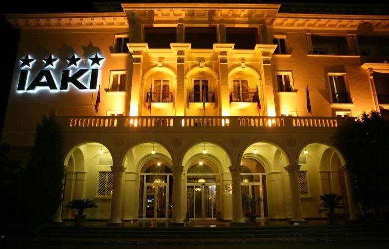 Iaki - Hotel - 0