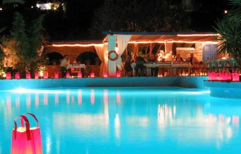 Lefkes Village Hotel - Pool - 3