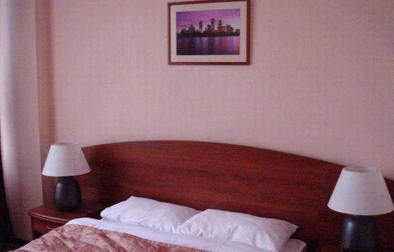 Eurocity Hotel - Room - 4