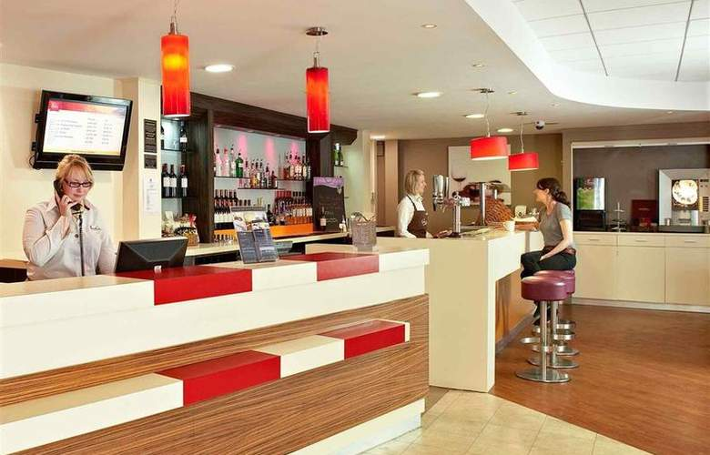 ibis London Barking - Bar - 2
