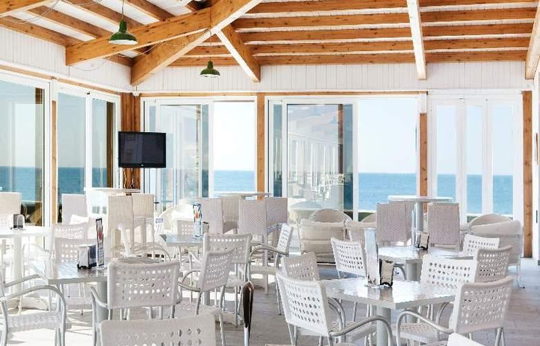 Playa De La Luz - Restaurant - 19
