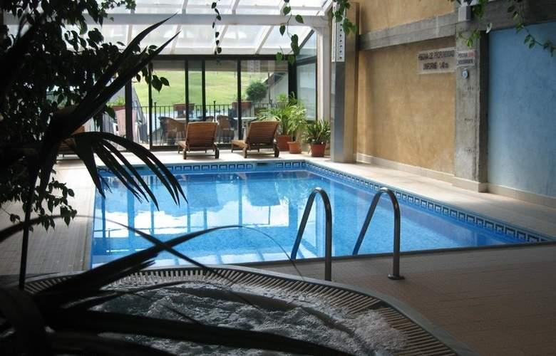 Villa de Sallent 3* - Pool - 4