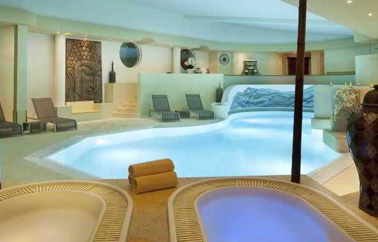 Le Parc Hotel, Restaurants & Spa - Pool - 2
