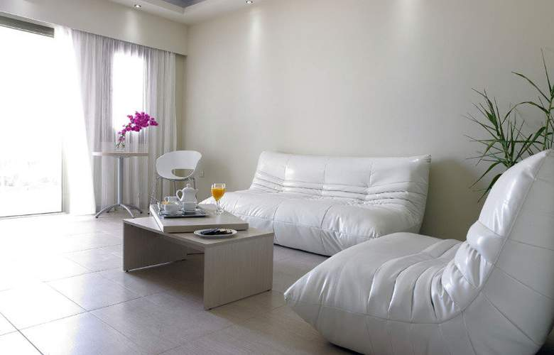 Splendour Resort - Room - 2