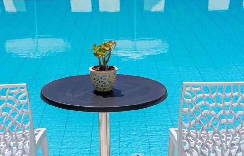 Santellini Hotel - Pool - 1