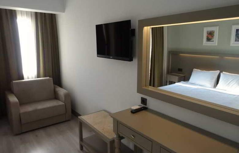 Pine Valley - Room - 13