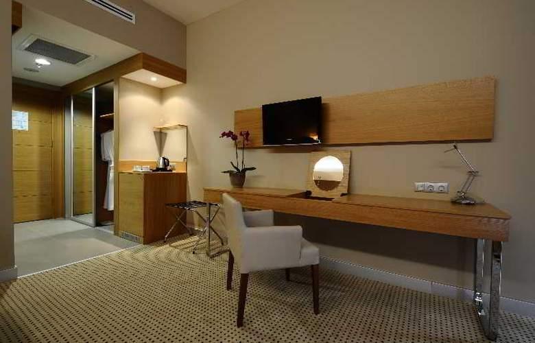 Ramada Podgorica - Room - 11