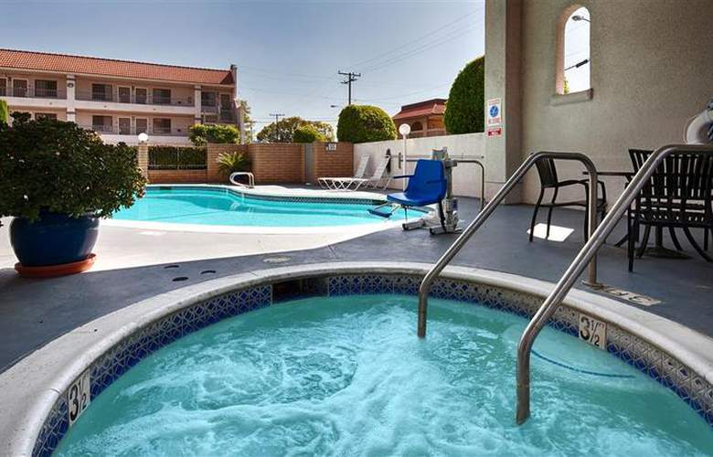 Best Western Pasadena Royale - Pool - 20