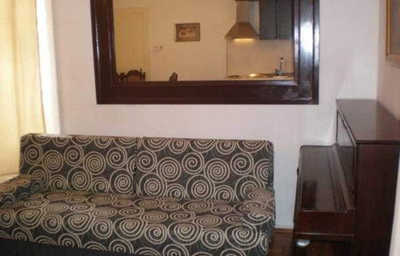 Bozinovic - Room - 4
