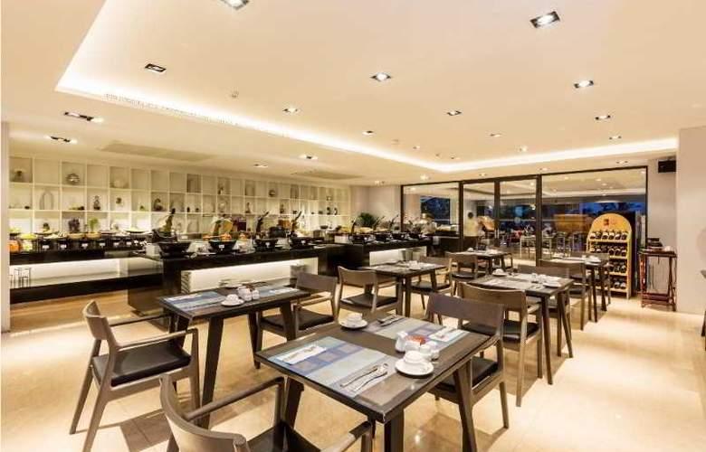 The Charm Resort Phuket - Restaurant - 5