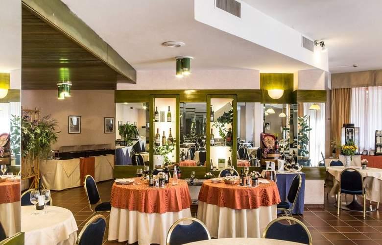 Mirage - Restaurant - 3