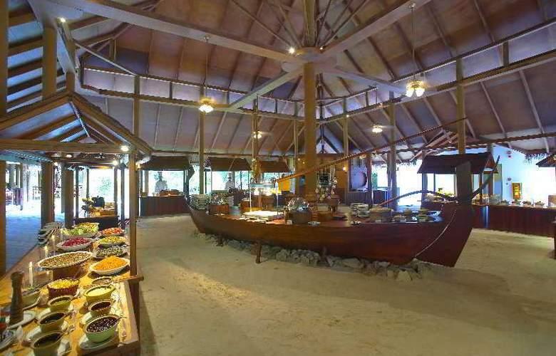 Filitheyo Island Resort Maldives - Restaurant - 11