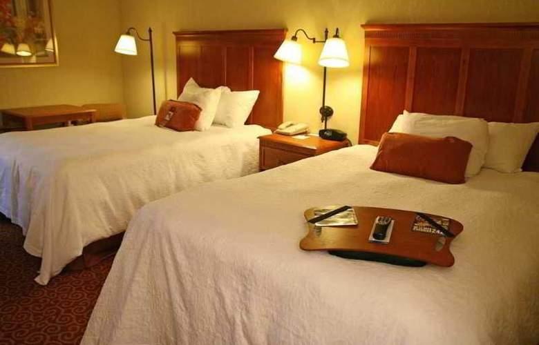 Hampton Inn Sevierville - Room - 6