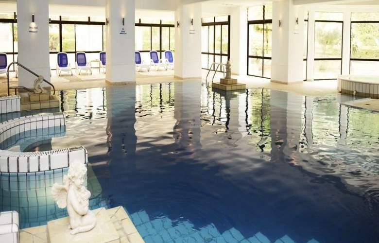 Corinthia Palace Hotel & Spa - Pool - 4