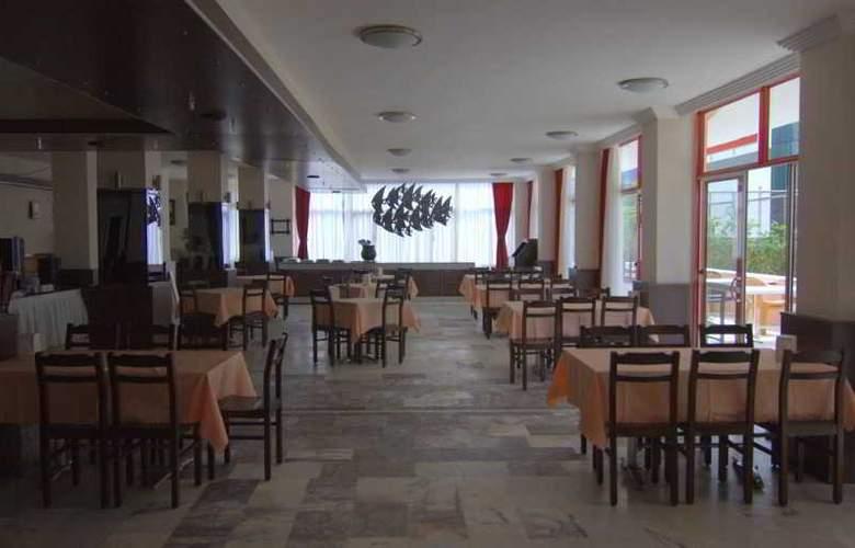 Kalamaki Beach - Restaurant - 5
