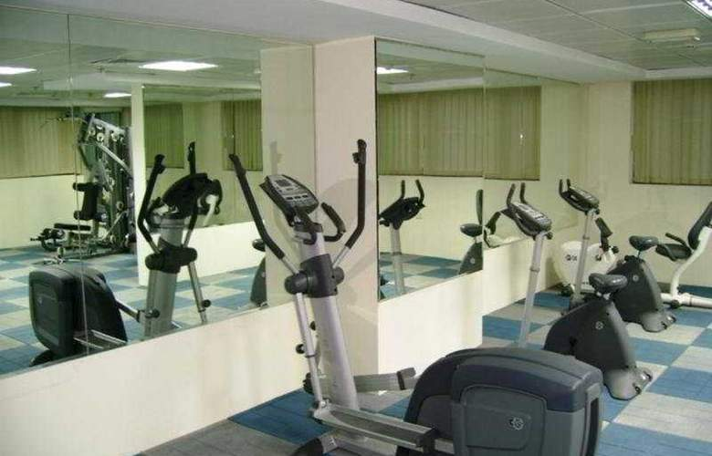 Tulip Inn Hotel Apartments Sharjah - Sport - 2