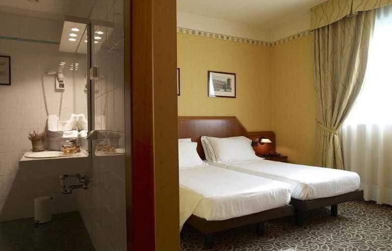 Montini - Room - 9