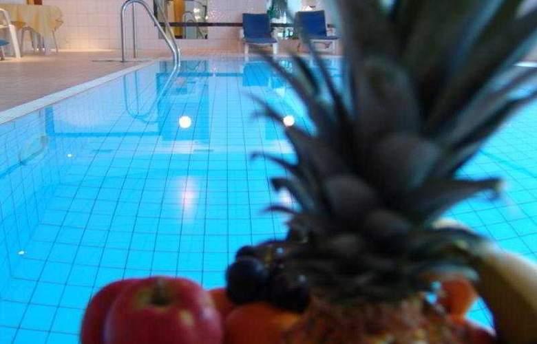 Mercure Düsseldorf Kaarst - Pool - 35