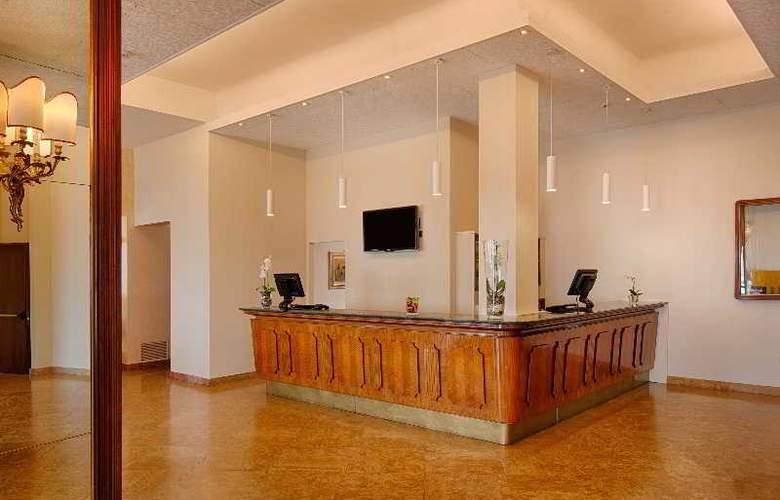 NH Ancona - Hotel - 12
