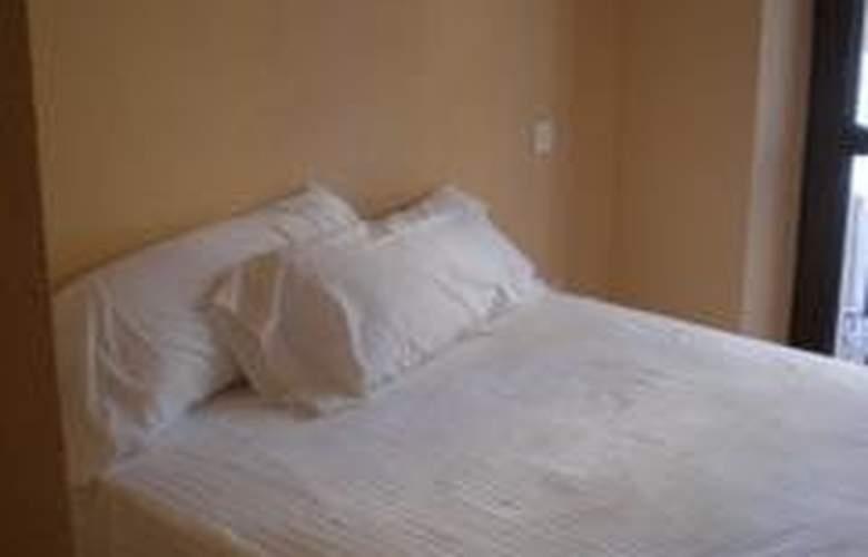 H2 Tirso de Molina - Room - 2