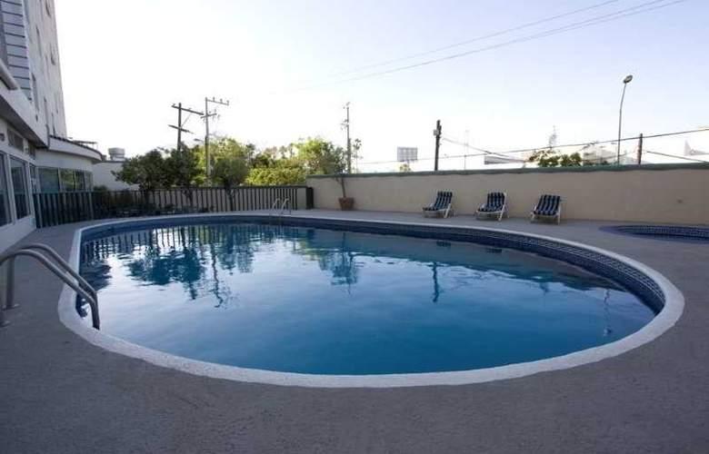 Antarisuite Galerías - Pool - 5