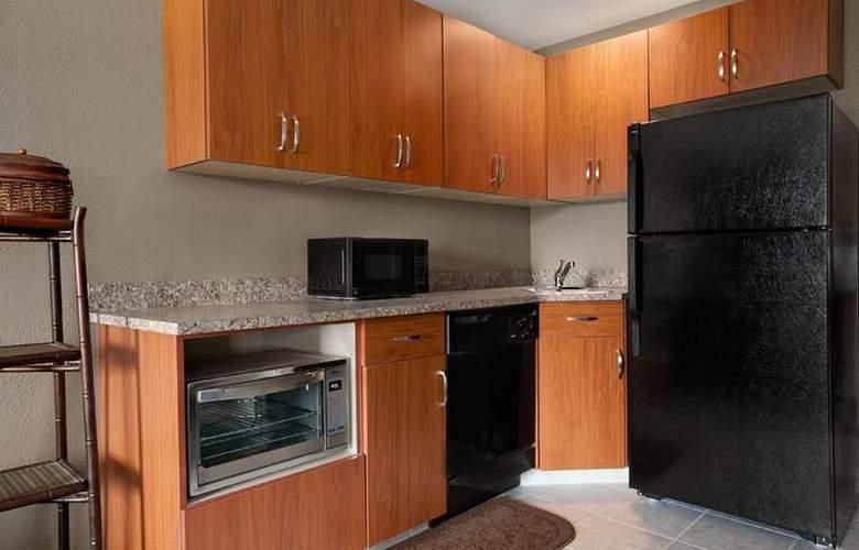 Best Western Plus Peppertree Auburn Inn - Room - 77