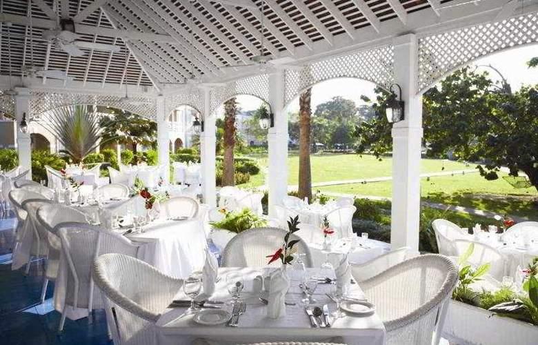 Couples Sans Souci All Inclusive - Restaurant - 7