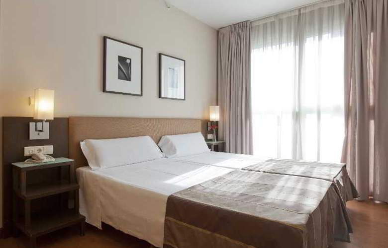 Vertice Sevilla - Room - 18