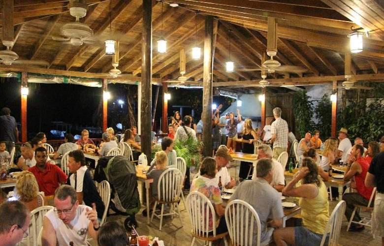 Splash Inn Dive Resort - Restaurant - 13