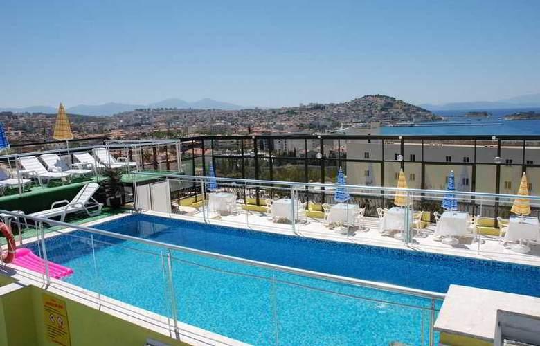 Alp Hotel - Pool - 3