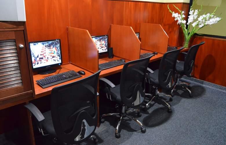 D&D Inn Tibana Caracas - Services - 4