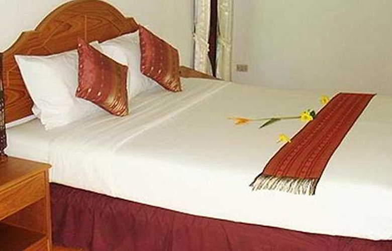 Tonsai Bay Resort - Room - 5