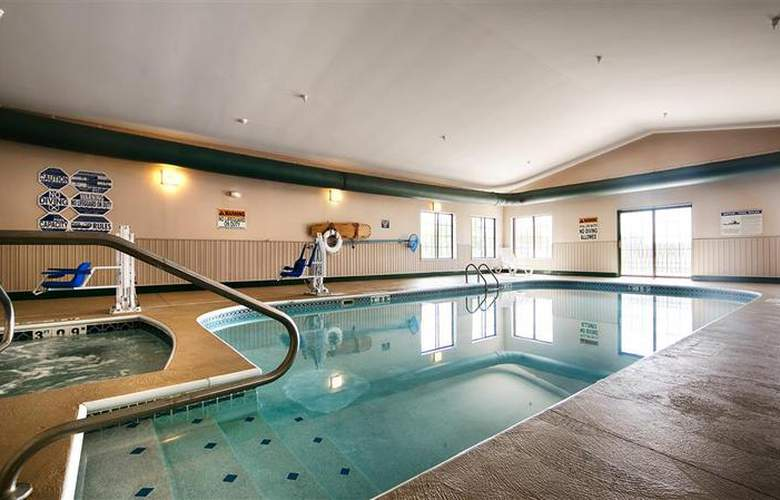 Best Western Plus Mt. Orab Inn - Pool - 76