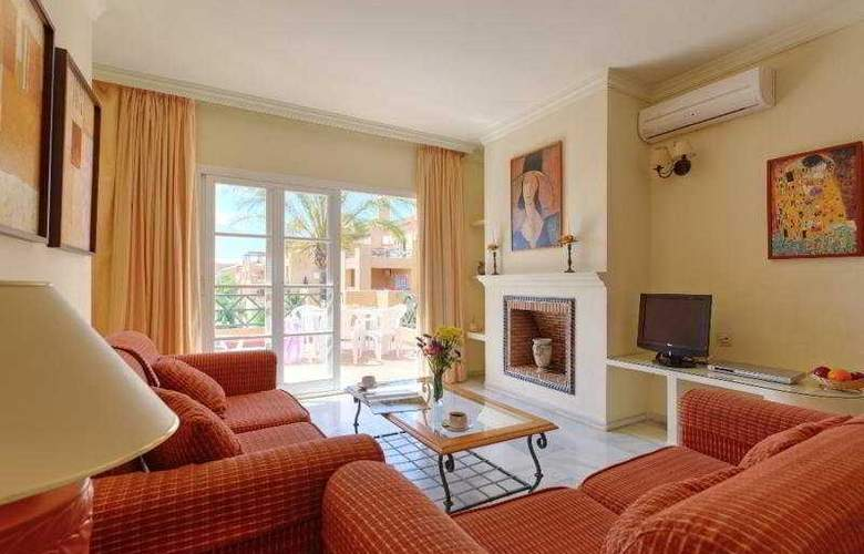 Mijas Costa Apartments - Room - 3