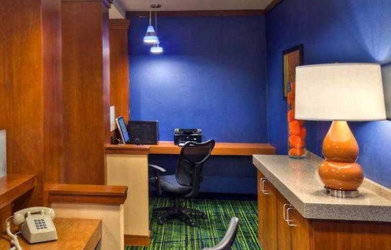 Fairfield Inn & Suites Reno Sparks - Hotel - 12