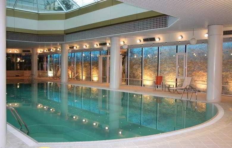Aro Palace - Pool - 5
