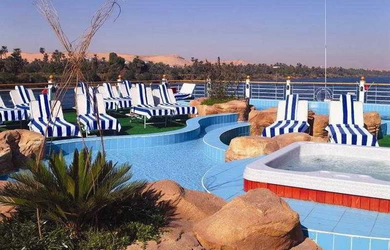 M/S Moevenpick Royal Lotus Nile Cruise - Pool - 1