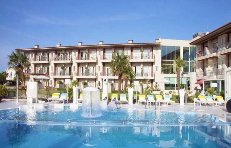Augusta Spa Resort - General - 3