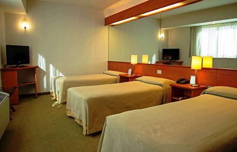 Tower &  Inn Suites - Room - 14