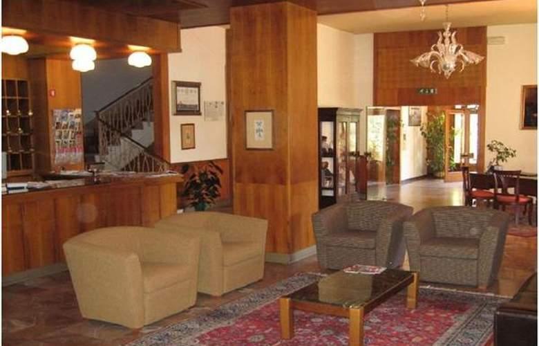 Hermitage - Hotel - 1