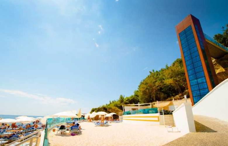 Water Planet Hotel & Aquapark - Beach - 4