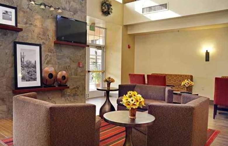 Hampton Inn & Suites Scottdale - Hotel - 2