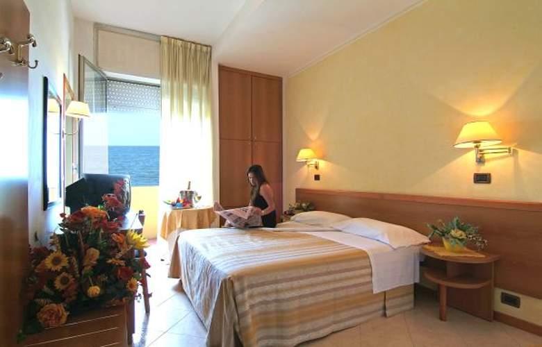 Resort Punta Nord - Hotel - 3