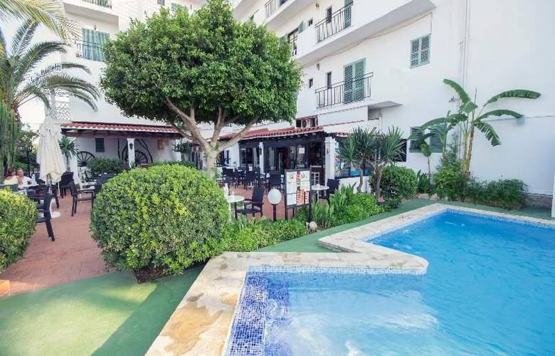 Azuline Hotel Galfi - Hotel - 6