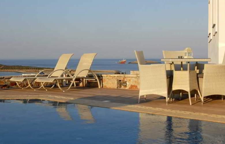 Kythira Golden Resort - Pool - 18